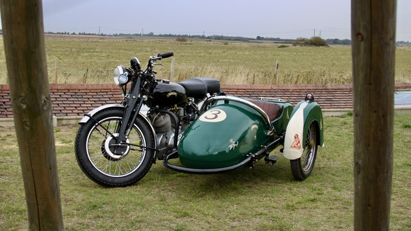1949 Vincent White Shadow & Swallow Jet Sidecar For Sale (picture 3 of 60)