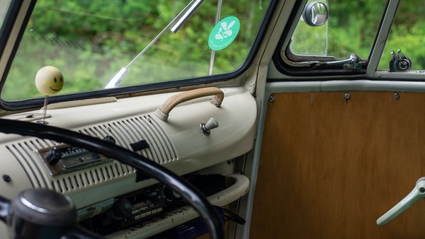 1964 VW Split Screen Sundial Camper For Sale (picture 32 of 164)