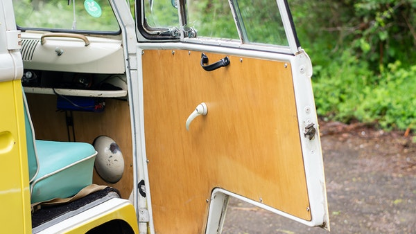 1964 VW Split Screen Sundial Camper For Sale (picture 38 of 164)