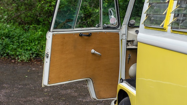 1964 VW Split Screen Sundial Camper For Sale (picture 24 of 164)