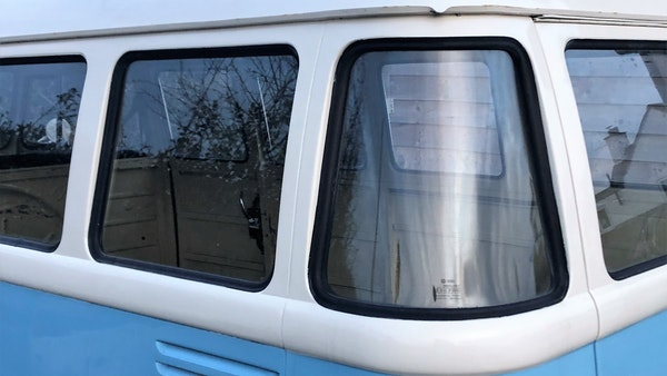 RESERVE LOWERED - 1975 Volkswagen Type 1 Split Screen Bus For Sale (picture 8 of 13)