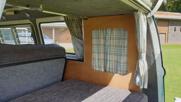 1975 Volkswagen Type 2 Camper For Sale (picture 60 of 138)