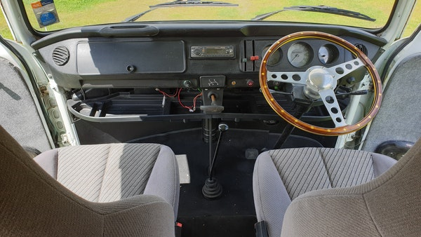 1975 Volkswagen Type 2 Camper For Sale (picture 40 of 138)