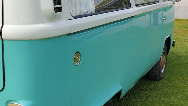 1975 Volkswagen Type 2 Camper For Sale (picture 82 of 138)