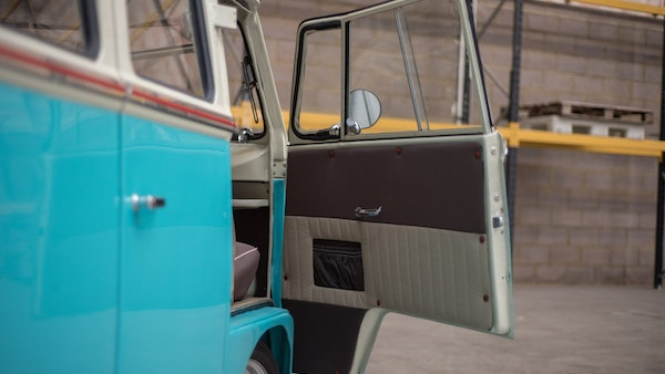 1974 VW Split Screen Micro Bus LHD For Sale (picture 31 of 97)