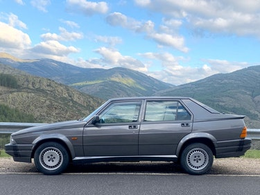 Picture of 1989 As new 75 3.0 v6 america ,ac,abs,sunroof. For Sale