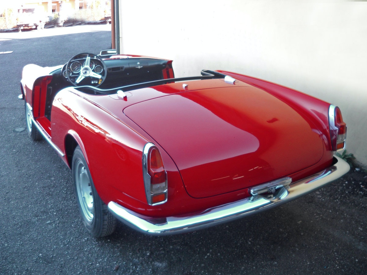 1960 Alfa Romeo 2000 Touring Spider Red Full Restored  €179k For Sale (picture 1 of 6)