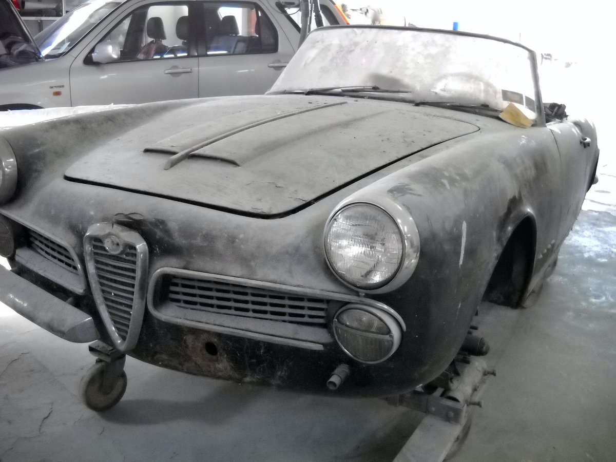 1960 Alfa Romeo 2000 Touring Spider Red Full Restored  €179k For Sale (picture 5 of 6)