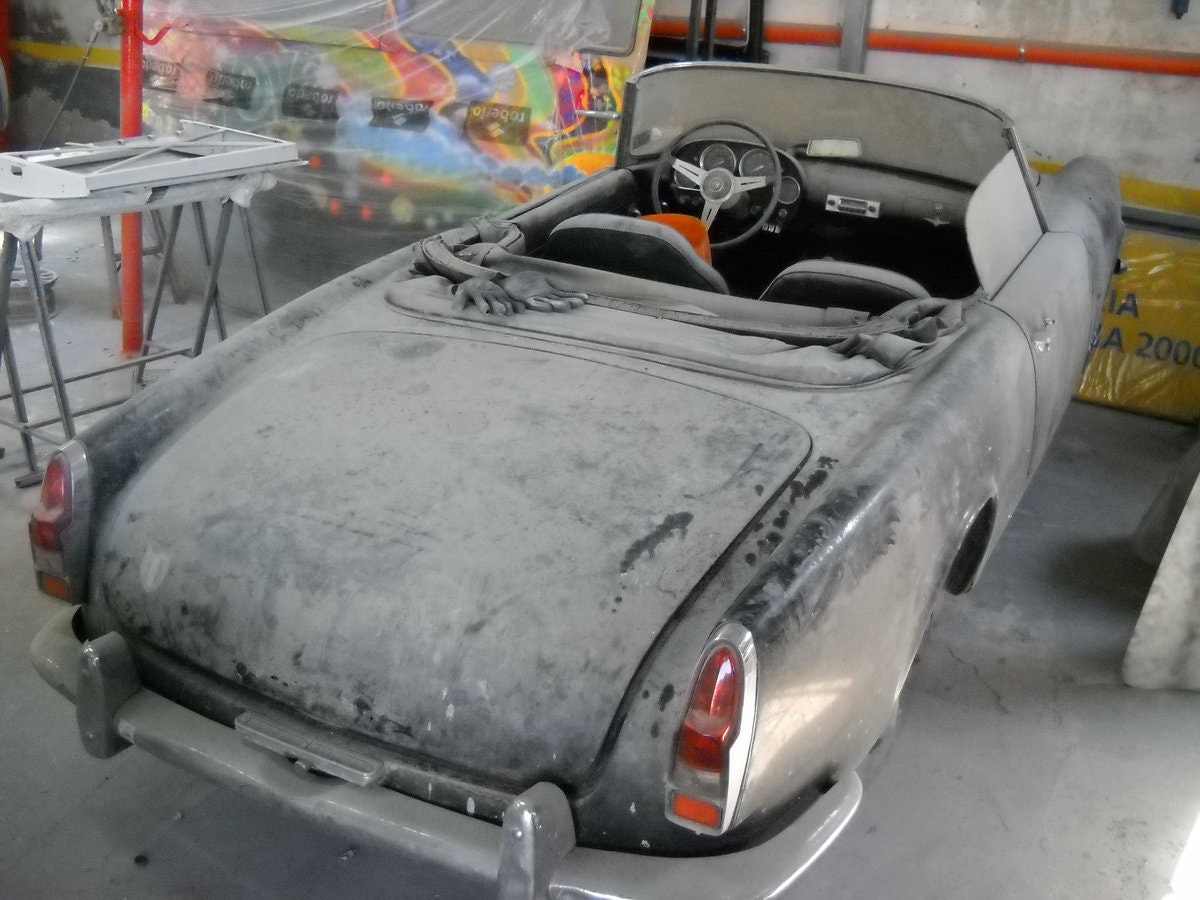 1960 Alfa Romeo 2000 Touring Spider Red Full Restored  €179k For Sale (picture 6 of 6)