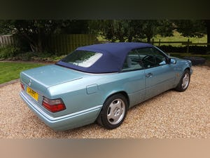 1993 Mercedes E220 convertible (W124) For Sale (picture 6 of 6)