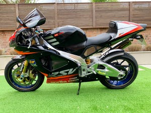 2002 **NOW SOLD** Aprilia RSV1000R RSV-R Mint Only 8,700 Miles For Sale (picture 2 of 12)