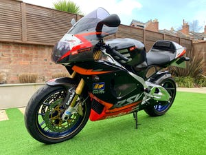 2002 **NOW SOLD** Aprilia RSV1000R RSV-R Mint Only 8,700 Miles For Sale (picture 3 of 12)