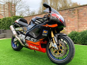 2002 **NOW SOLD** Aprilia RSV1000R RSV-R Mint Only 8,700 Miles For Sale (picture 4 of 12)