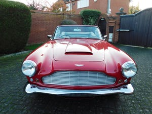 1962 Aston Martin DB4 Series 5 Vantage Convertible For Sale (picture 15 of 16)