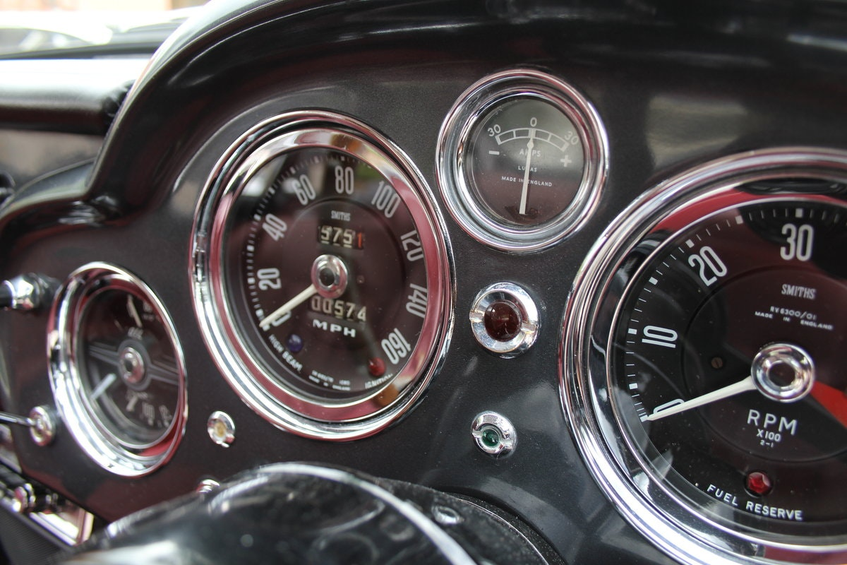 1962 Aston Martin DB4 Series V Vantage - Matching Numbers For Sale (picture 17 of 23)