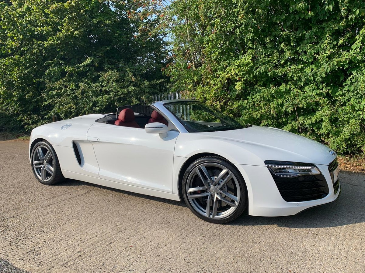 2014 AUDI R8 4.2 SPYDER V8 QUATTRO 2d 424 BHP - only 8k mileage For Sale (picture 1 of 6)