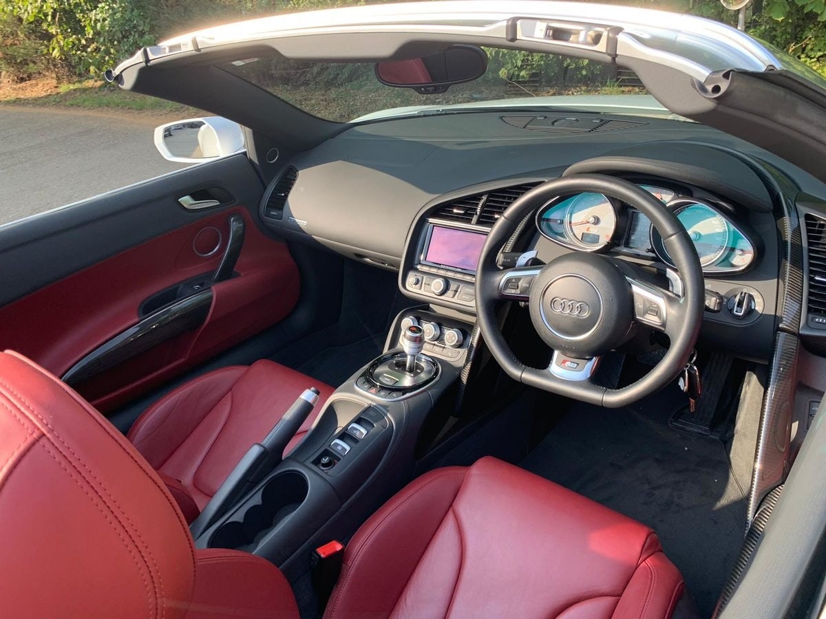 2014 AUDI R8 4.2 SPYDER V8 QUATTRO 2d 424 BHP - only 8k mileage For Sale (picture 3 of 6)