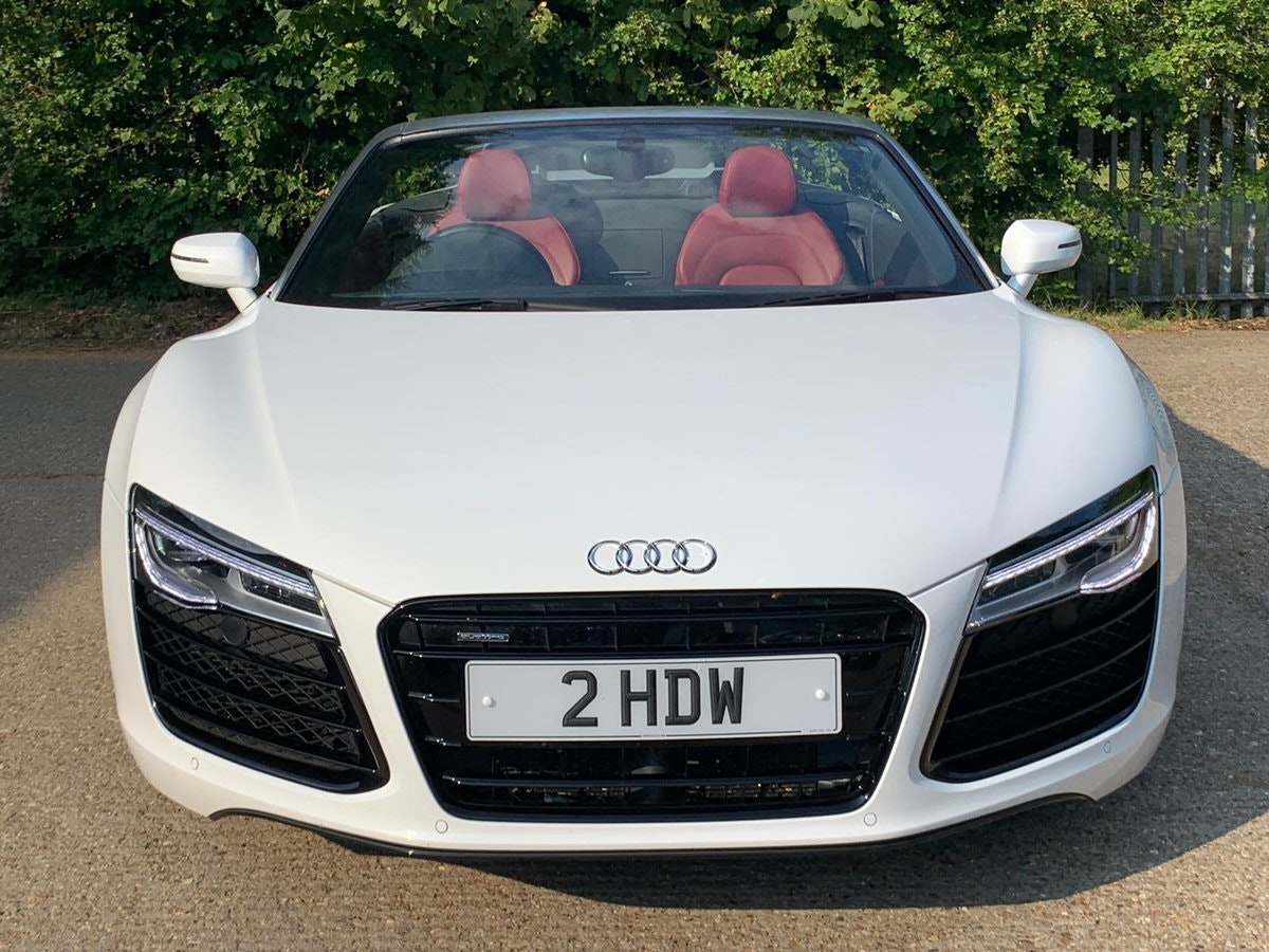 2014 AUDI R8 4.2 SPYDER V8 QUATTRO 2d 424 BHP - only 8k mileage For Sale (picture 6 of 6)