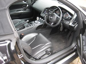 2013 Audi R8 Spyder V8 Quattro With Just 16,000 Miles From New For Sale (picture 9 of 12)