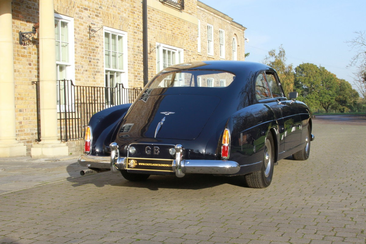 1957 Bentley S1 Continental Fastback by H.J Mulliner For Sale (picture 2 of 6)