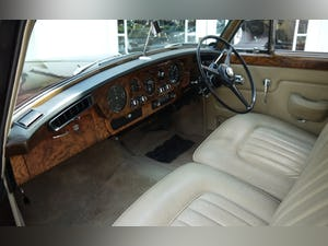 Bentley S3 1963 Standard Saloon For Sale (picture 3 of 10)