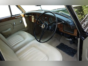 Bentley S3 1963 Standard Saloon For Sale (picture 4 of 10)