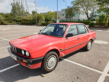 Picture of 1990 318i For Sale