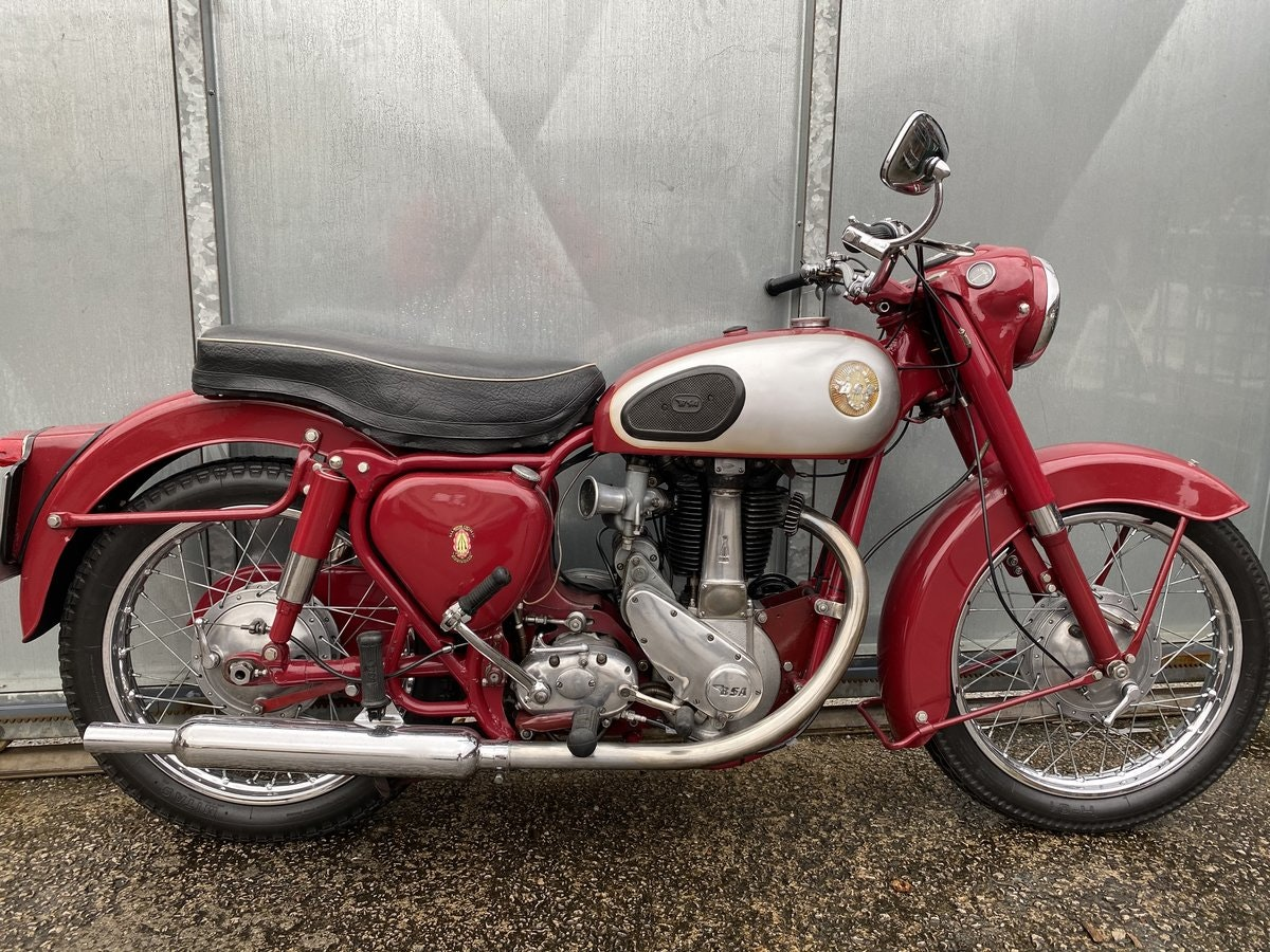 1959 BSA B31 LOVELY BIKE ALL ROUND RUNS MINT! PX C15 B40  For Sale (picture 2 of 6)