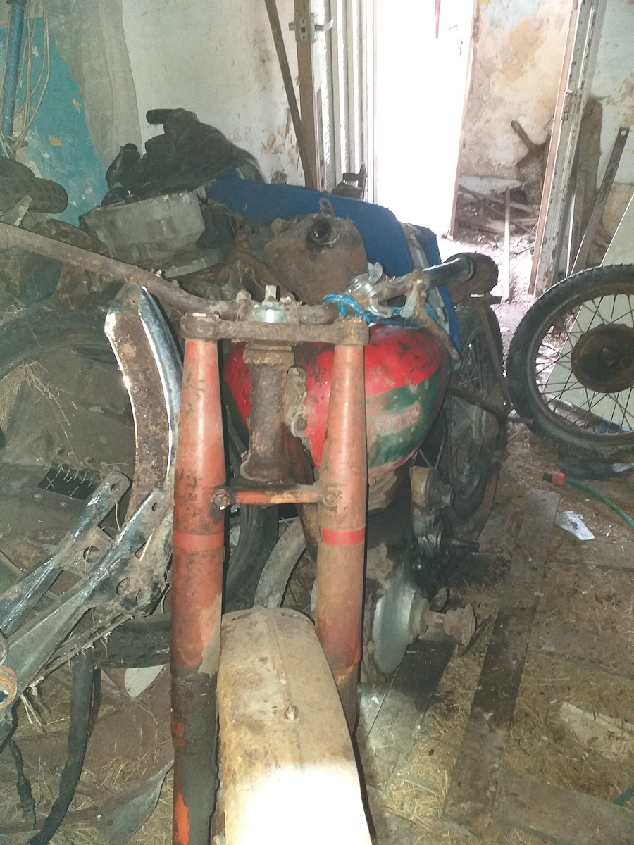 1950 BSA B31  - Barn Find For Sale (picture 3 of 7)