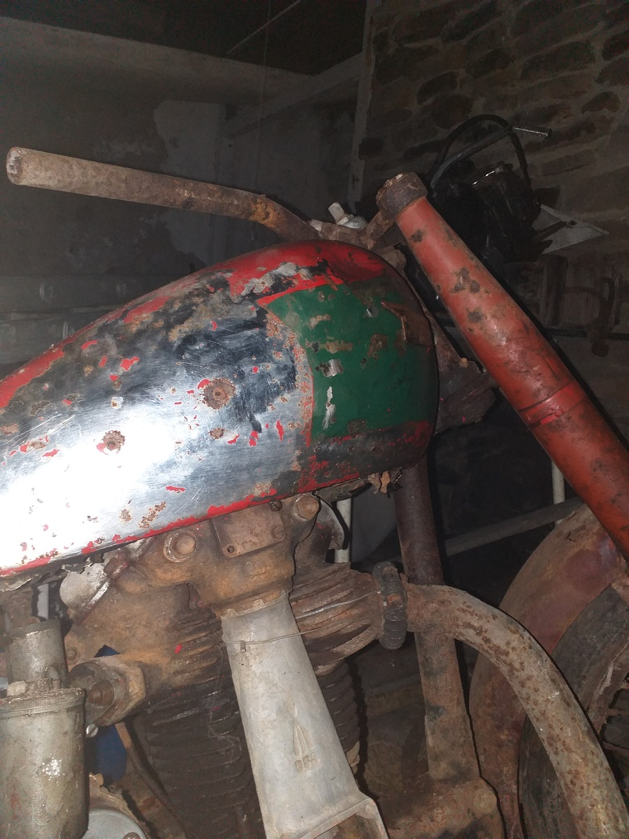 1950 BSA B31  - Barn Find For Sale (picture 5 of 7)