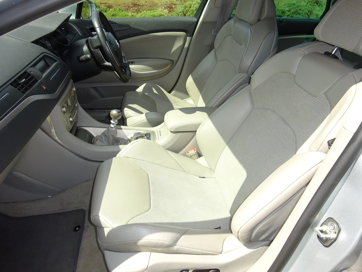 2010 CITROEN C5 2.0HDi ( 160bhp ) EXCLUSIVE, HALF LEATHER, 6 SPD SOLD (picture 4 of 6)