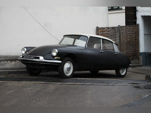 1960 one owner Citroen ID original paint & interior For Sale (picture 1 of 10)