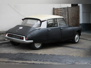 1960 one owner Citroen ID original paint & interior For Sale (picture 2 of 10)