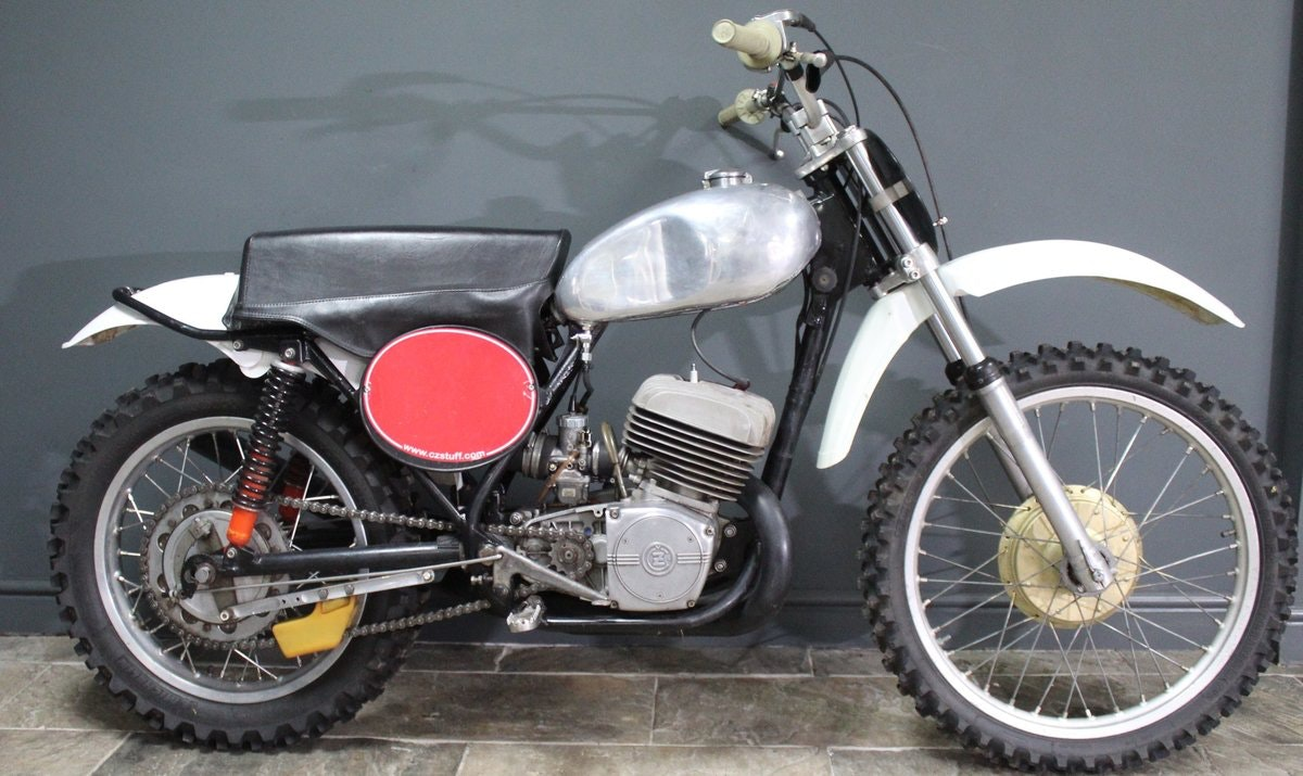 1973 CZ 380 cc Two Stroke Moto Cross Superbly presented For Sale (picture 3 of 6)