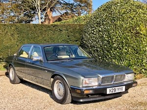 Picture of 1990 Daimler 4.0 XJ40 Series SOLD