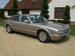 Picture of 1995 DAIMLER SIX. 4.0 SWB MODEL. SIMPLY STUNNING SOLD
