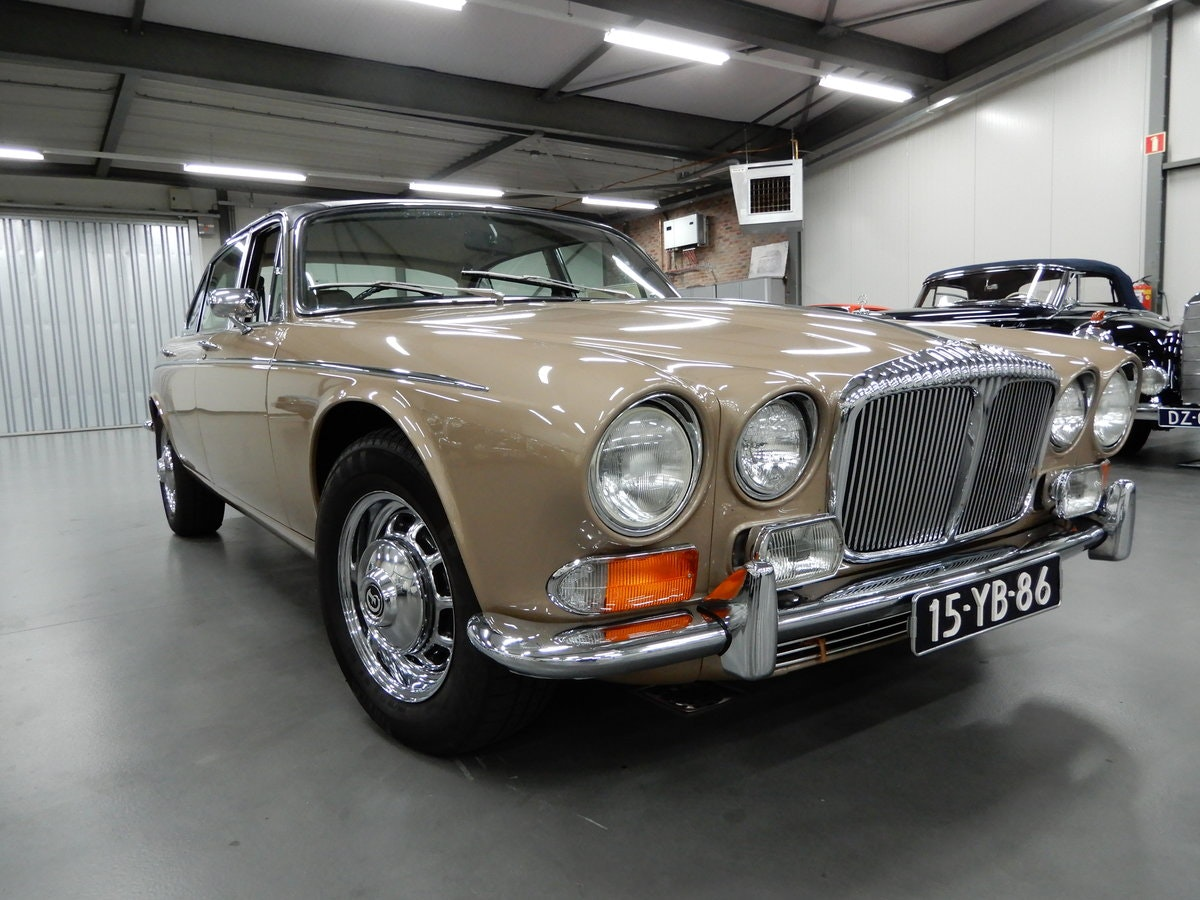 1973 Daimler Double Six Vanden Plas Series 1 Unique Condition RHD For Sale (picture 1 of 6)
