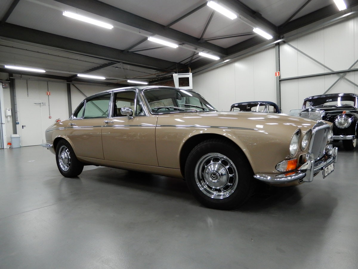 1973 Daimler Double Six Vanden Plas Series 1 Unique Condition RHD For Sale (picture 3 of 6)