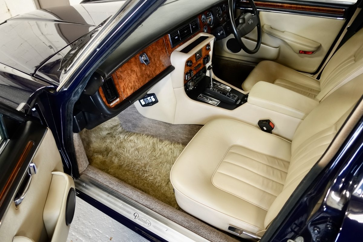 1983 Daimler 4.2 Series 3 For Sale (picture 4 of 6)