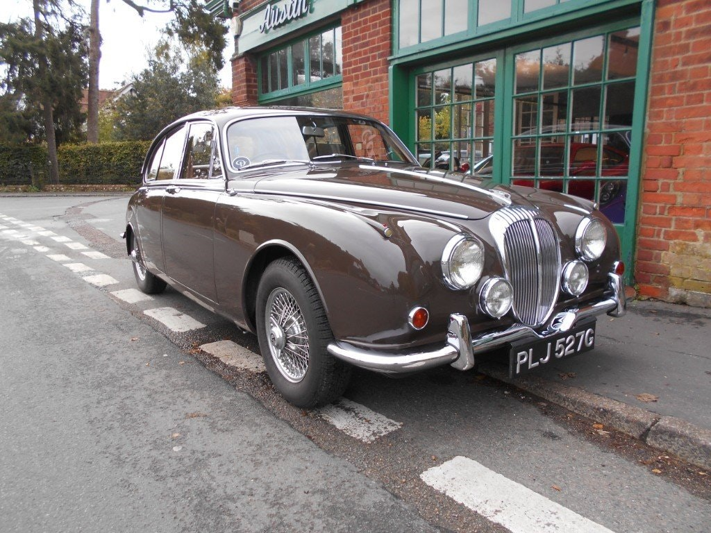 1969 Daimler 250 V8 Automatic For Sale (picture 2 of 5)