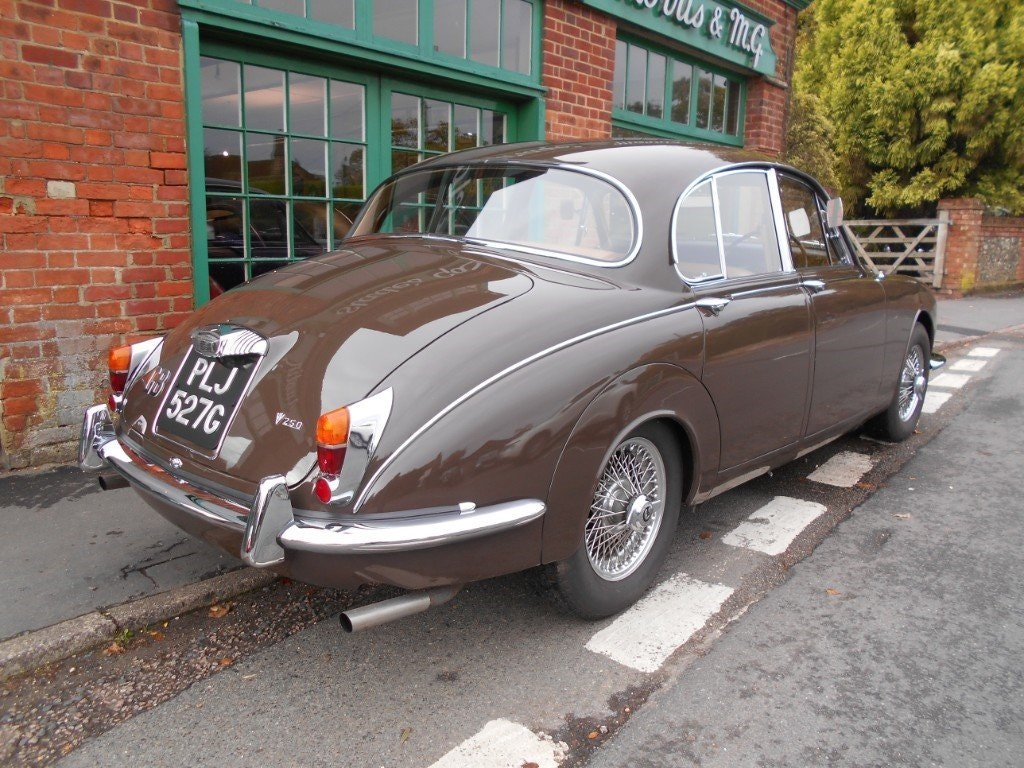 1969 Daimler 250 V8 Automatic For Sale (picture 3 of 5)