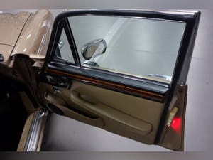 1973 Daimler Double Six Series 1 VandenPlas LWB For Sale (picture 11 of 12)