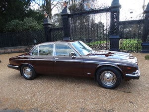 1983 Daimler Sovereign Services III VERY RARE MANUAL For Sale (picture 2 of 6)
