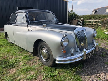 Picture of A 1961 Daimler Majestic - 15/07/2021 For Sale by Auction