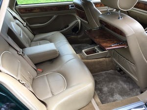 1997 Daimler Double Six 6.0 V12 For Sale (picture 6 of 11)