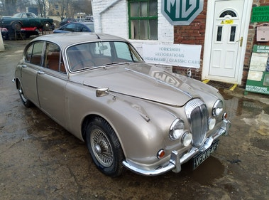 Picture of 1967 Daimler V8250  For Sale