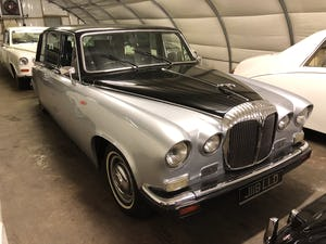 1990 Daimler limousine For Sale (picture 1 of 3)