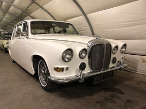 1972 Daimler ds420 limousine For Sale (picture 1 of 4)