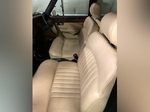 1992 Black and ivory Daimler limousine For Sale (picture 4 of 4)