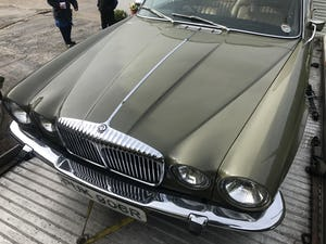 1977 Daimler Sovereign Series 2 LWB LOW MILES!!!! For Sale (picture 1 of 5)